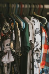3 Tips to Organize Clothing Before a Move